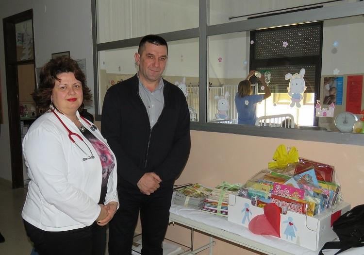 Photo of Prikupljeno stotinjak slikovnica za Dječji odjel Opće bolnice Gospić