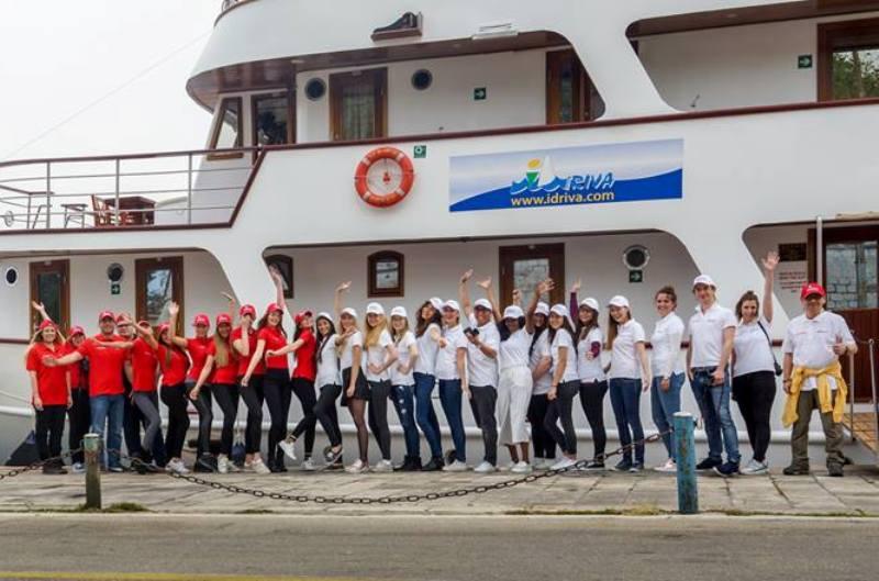 Photo of Na Plitvicama proglasili neprikladnim snimanje 13 lijepih djevojaka