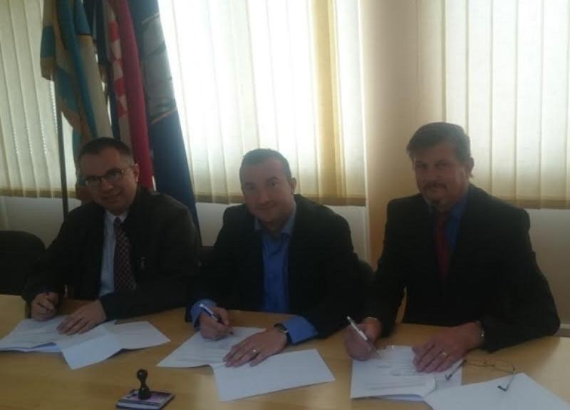 Photo of Plitvička Jezera: HDZ, HSP-AS i Nezavisna lista-Aračić potpisali koalicijski sporazum