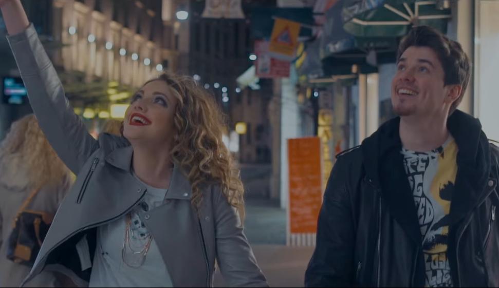 """Photo of Tragovi i Denis Dumančić predstavili spot za pjesmu """"Sve na ljubav miriše"""""""