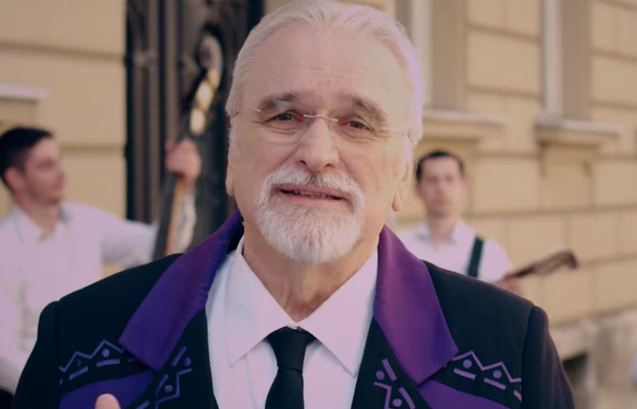 """Photo of Zlatko Pejaković predstavlja baladu """"Kaldrme i jorgovani"""""""