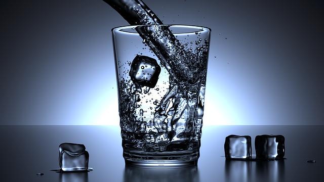 """Photo of Želite li se riješiti tog """"tvrdoglavog"""" trbuščića, od pomoći će biti dovoljna konzumacija vode"""