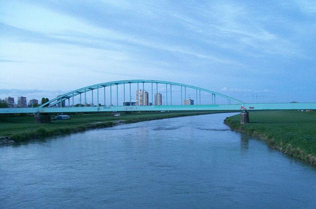 """Photo of """"Hendrixov"""" most dobio novu dekorativnu rasvjetu"""