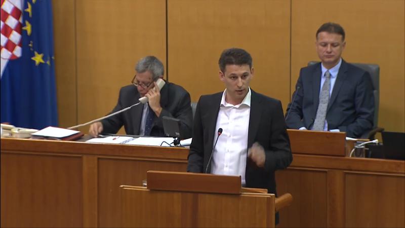 """Photo of VIDEO Emotivni govor Bože Petrova: """"Kad bi Hrvatska mogla pričati, vrisnula bi"""""""