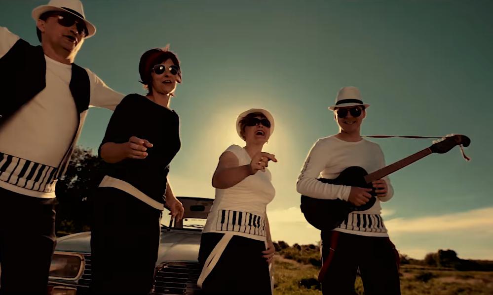 Photo of Poslušajte kako ABBA zvuči u izvedbi –  tamburice!