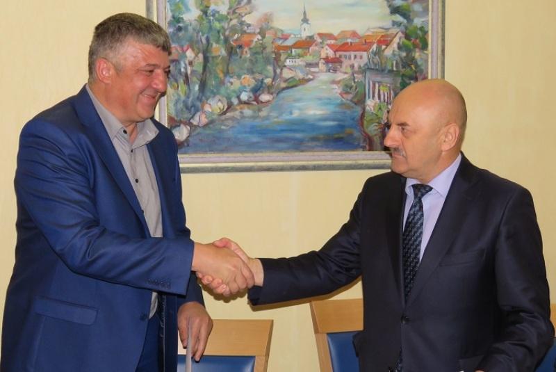 Photo of Karlo Starčević preuzeo dužnost gradonačelnika Gospića