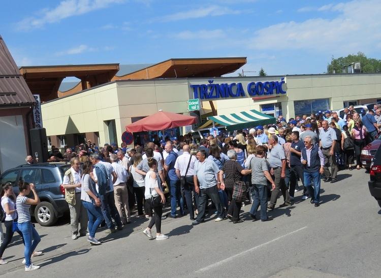 Photo of FINALE KAMPANJE U GOSPIĆU Plitvički bećari i Velebitsko pivo protiv jakog razglasa i stranih piva