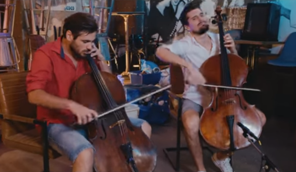 "Photo of Poslušajte kako zvuči ""Despacito"" u izvedbi 2Cellos!"