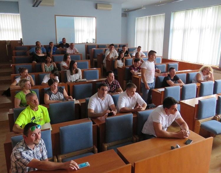Photo of Na inicijativu Nezavisne liste mladih održan prvi službeni sastanak gradonačelnika Starčevića i građana