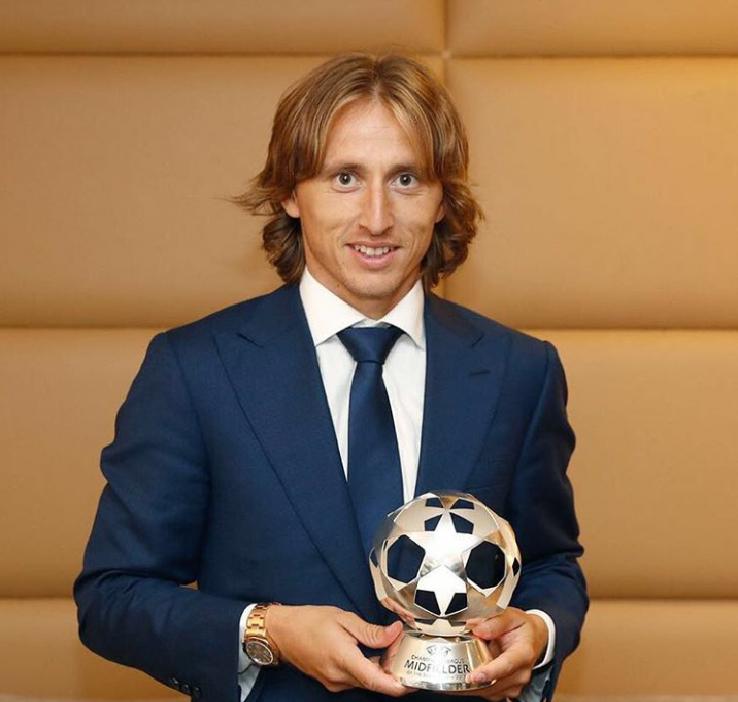 Photo of Luka Modrić je najbolji veznjak Lige prvaka!