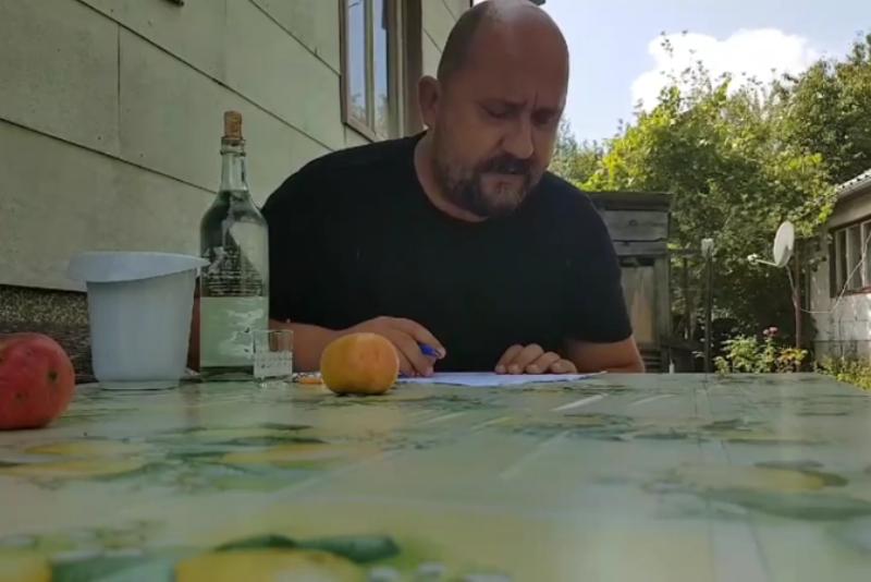 Photo of VIDEO: Bloger Krule ispunjava papire o porezu na nekretnine