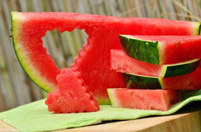 Photo of Ublažite opekline od sunca pomoću lubenice