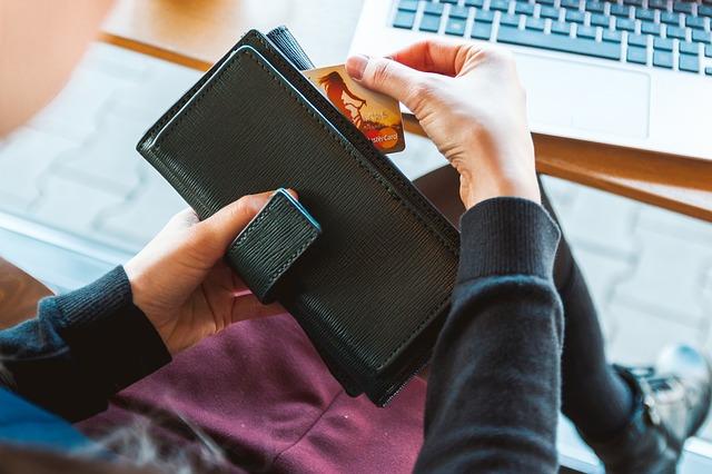 Photo of Način na koji držite novac u novčaniku otkriva hoćete li biti bogati