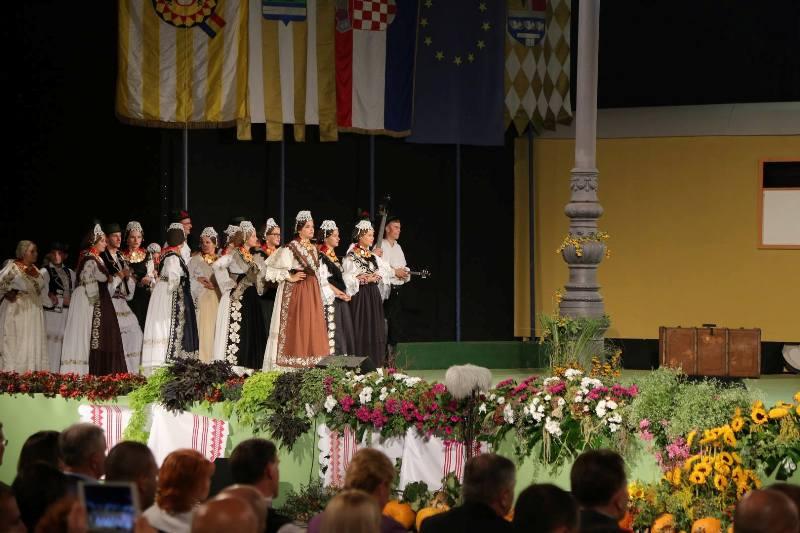 Photo of Svečanost otvorenja i koncert Lidije Bačić osmog dana 52. Vinkovačkih jeseni