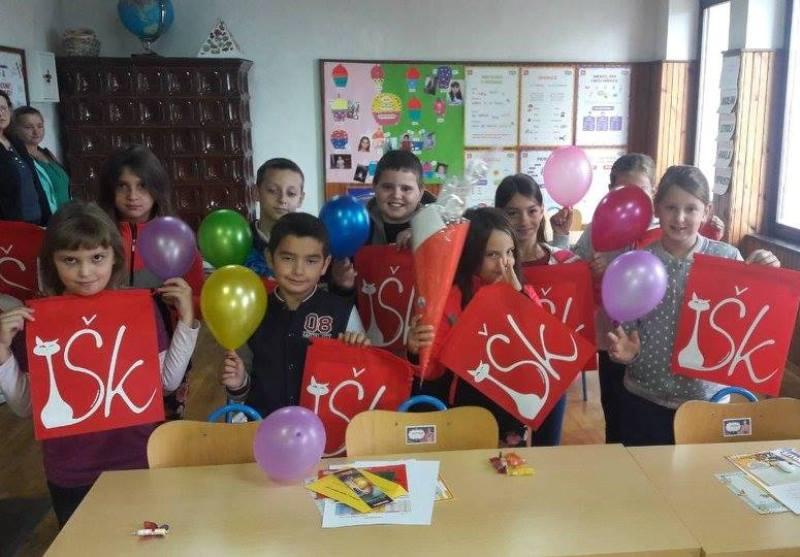 Photo of Društvo Naša djeca Gospić prigodnim poklonima doniralo male prvašiće