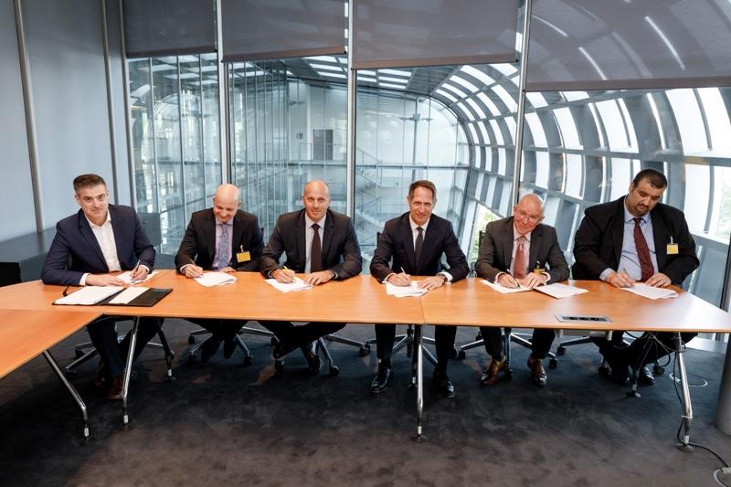 Photo of Hrvatska pošta i DHL potpisali ugovor o suradnji