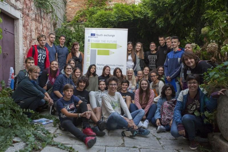 """Photo of FOTO: Završen Erasmus+ projekt razmjene mladih """"Promisli budućnost – Izmisli grad"""""""
