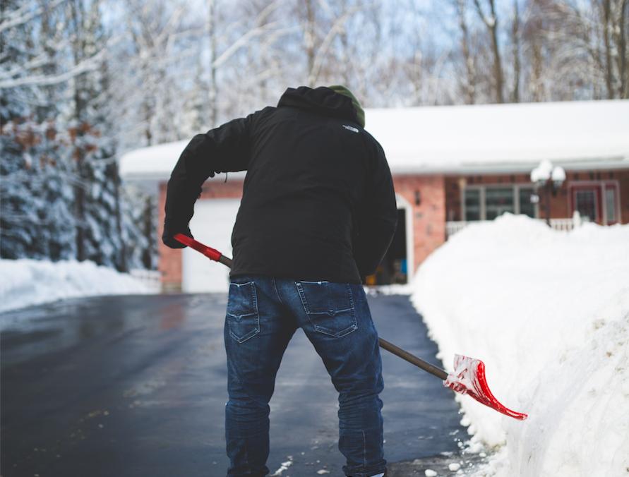 Photo of AFERA ILI LIČKI SNJEŽNI FENOMEN? Kovač živopisno objasnio troškove čišćenja snijega