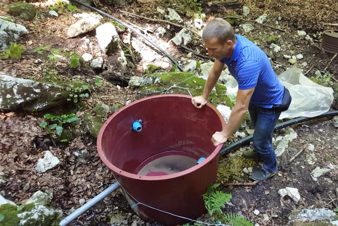 "Photo of VIDEO: Plitvički ""vodovod"" – pogledajte kako se krade voda u NP Plitvička jezera!"
