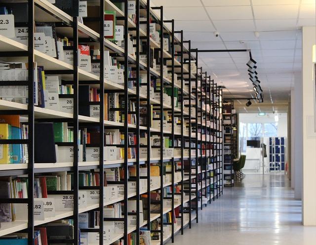 Photo of Na mladima svijet ostaje: Srednjoškolci spašavali arhiv zadarske knjižnice