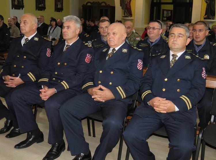 Photo of Proslavljen Dan policije i blagdan zaštitnika Sv. Mihovila