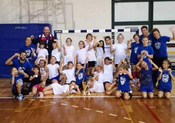 Photo of Veliki uspjeh mladih gospićkih rukometaša na turniru u Opatiji
