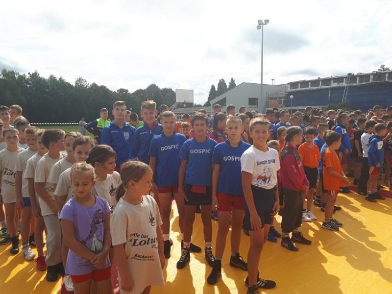 Photo of Gospićki hrvači osvojili 5 medalja na međunarodnom turniru u Slatini!