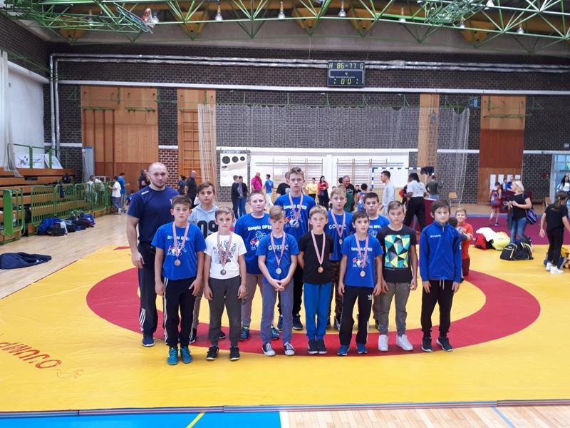 Photo of Mladi Gospićki hrvači osvojili 7 medalja na Prvenstvu u Zagrebu!
