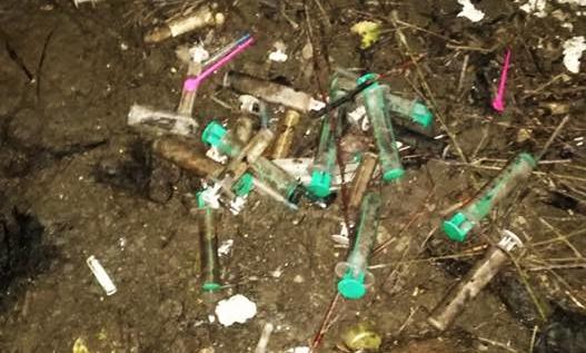 Photo of ŠPRICE NA VRAPČU: Oprez, na Vrapču šprice i igle drogeraša ugrožavaju djecu