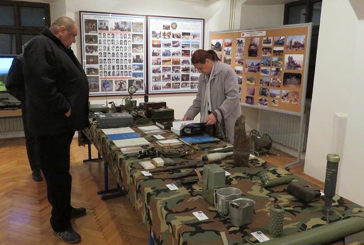 Photo of U Muzeju Like otvorena izložba o slavnim Vukovima