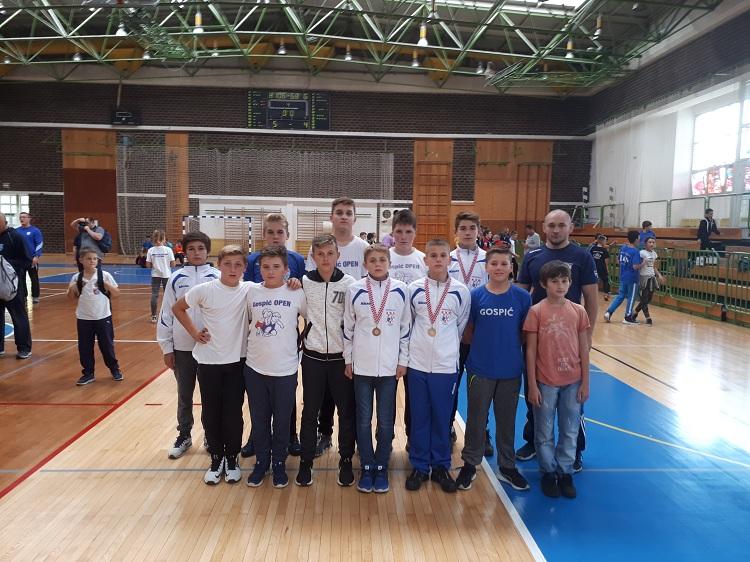 Photo of Gospićki hrvači osvojili tri medalje na državnom prvenstvu u Zagrebu