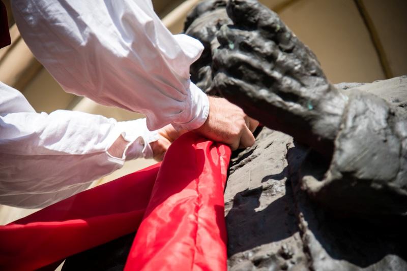 Photo of Skidanjem kravata sa zagrebačkih spomenika službeno zatvoren festival Dani kravate