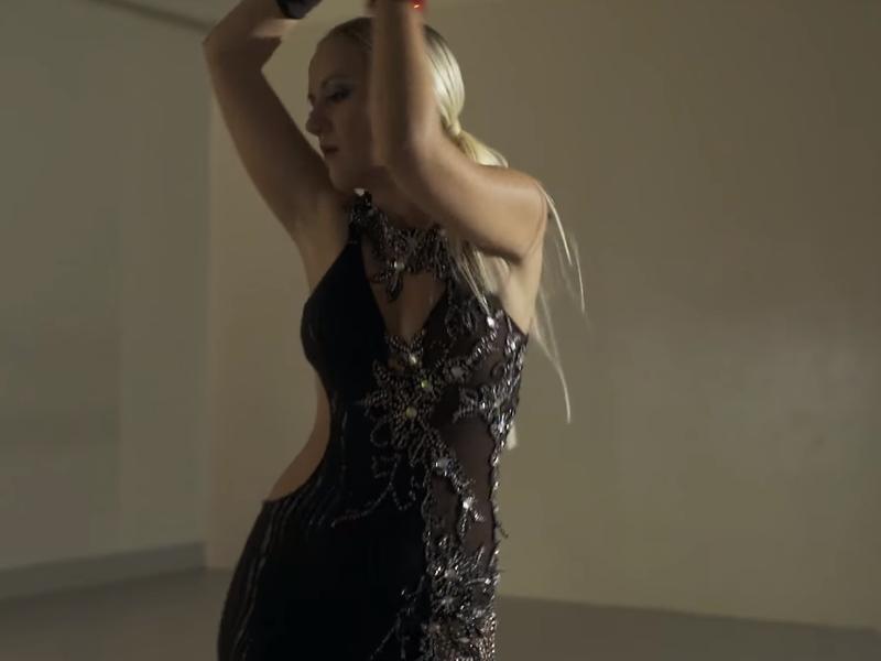"""Photo of Nina Kraljić predstavlja spot za pjesmu """"Negdje"""""""