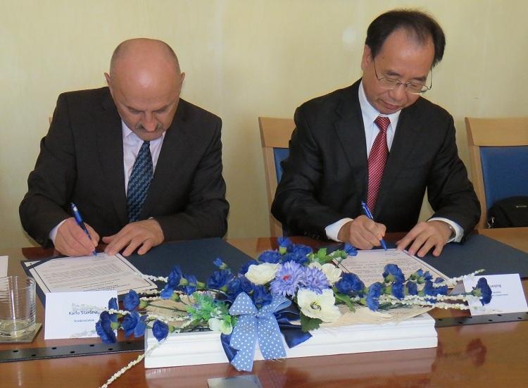 Photo of Gradonačelnik Starčević i gradonačelnik kineskog grada Wuzhoua potpisali Protokol o suradnji