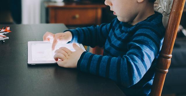 Photo of Šokantne statistike: Djecu nam odgajaju pametni mobiteli i tableti