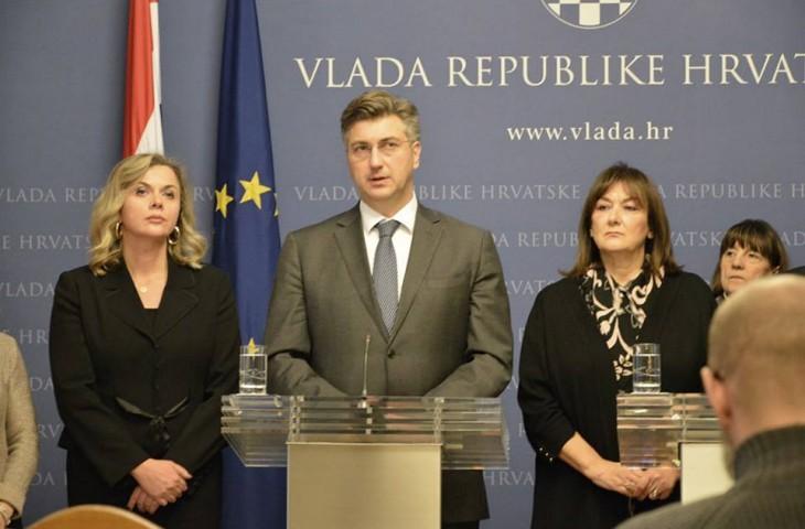 """Photo of Predsjednik Vlade: """"Razgovaramo s investitorima o refinanciranju duga cestovnog sektora, bez posezanja za monetizacijom"""""""