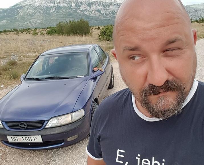 Photo of Bloger Krule najavio nastupe u Otočcu, Korenici i Karlovcu!