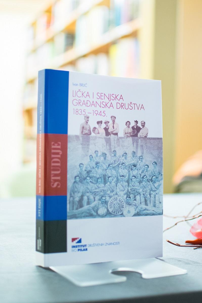 Photo of FOTO: U Gospiću predstavljena prva knjiga o povijesti ličko-senjskih građanskih društava