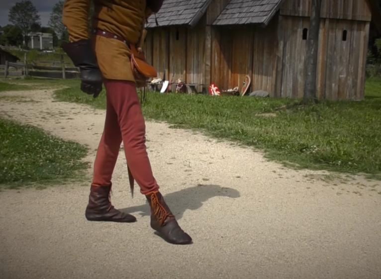 Photo of VIDEO: Znate li zašto su u srednjem vijeku ljudi hodali puno drugačije nego danas?