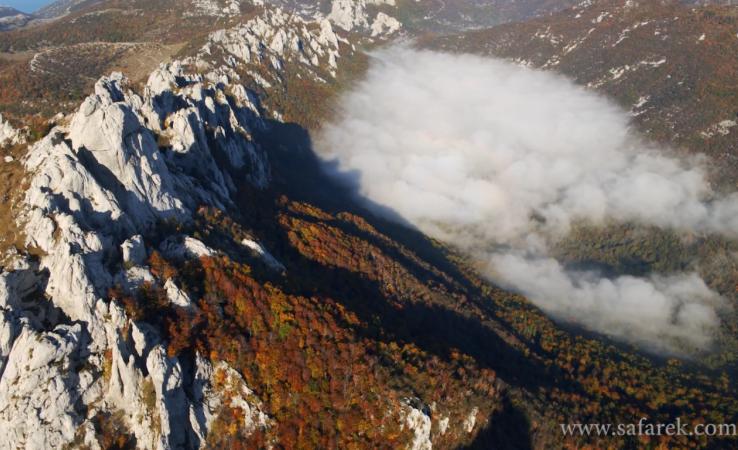 Photo of VELEBIT U JESEN: Čarobno carstvo stijena i šume u novom videu Gorana Šafareka