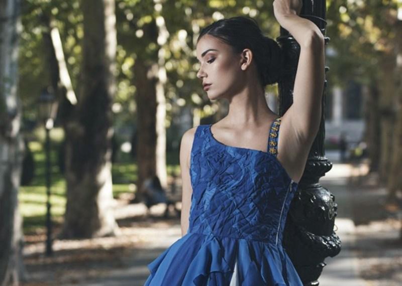 Photo of DUKATI, MORE I SENJSKA BURA: Pogledajte nacionalnu haljinu koju će Tea Mlinarić nositi na izboru za Miss u Kini!