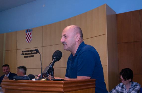 Photo of Starčević pred glasanje o proračunu: HDZ nema amandmana, želi samo trgovati