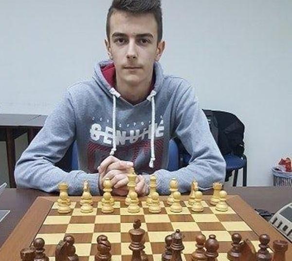 Photo of Vid Šarić iz Gospića treći na šahovskom turniru u Rijeci!
