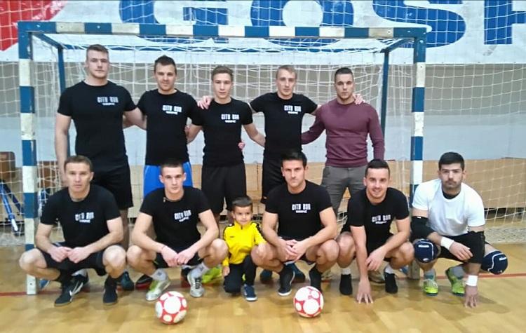 Photo of Večeras se igraju 4 utakmice na zimskom malonogometnom turniru u Gospiću