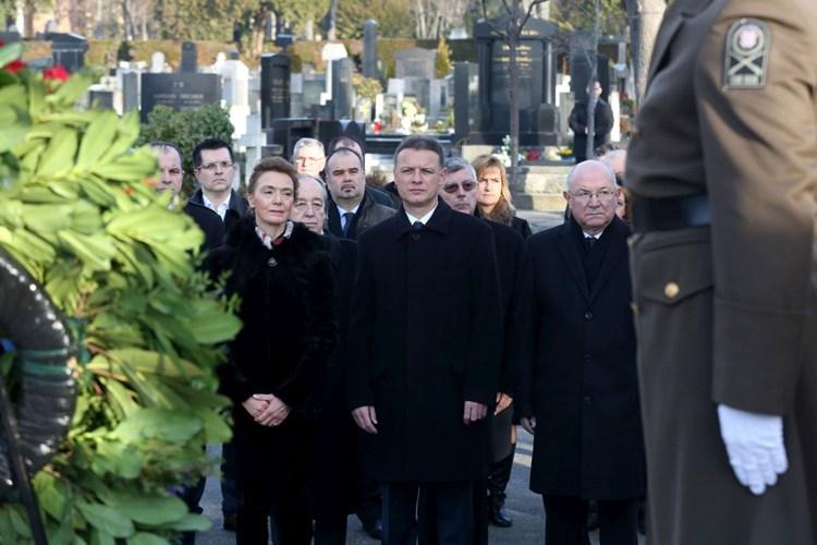 Photo of Danas je Međunarodni dan sjećanja na žrtve holokausta
