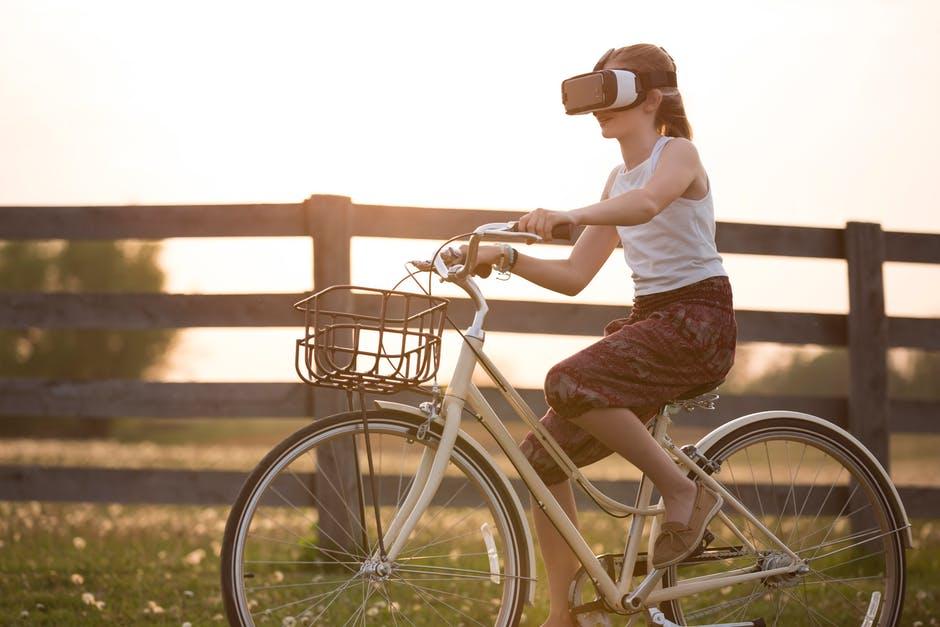 Photo of Iz virtualnog u stvarni svijet – Ima li razlike i gdje je nestao odgoj?