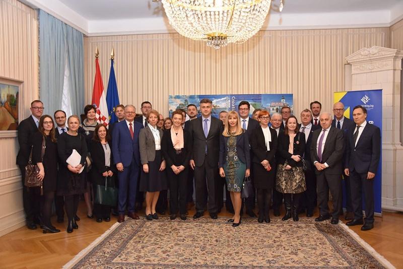 Photo of Predsjednik Vlade Plenković sastao se s  veleposlanicima država članica Europske unije