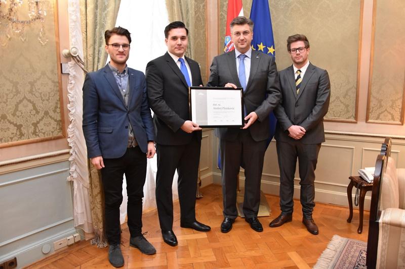 Photo of Predsjednik Vlade Plenković s predstavnicima ELSA-e