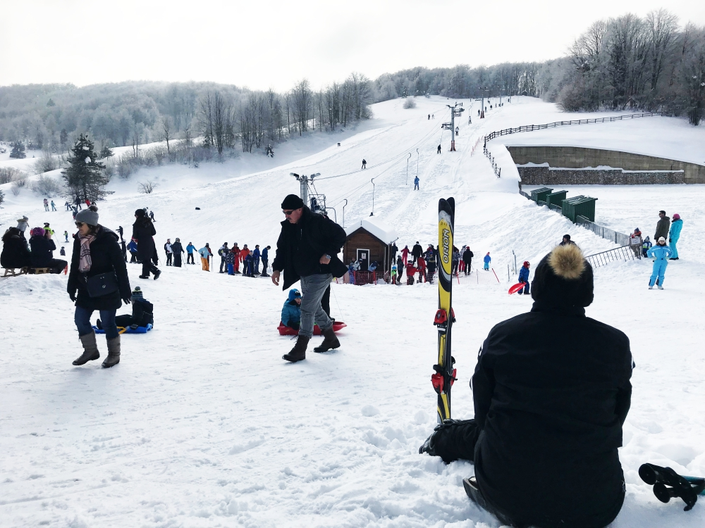 Photo of NEDALEKO PLITVIČKIH DOLINA Skijalište Mukinje radi punom parom!