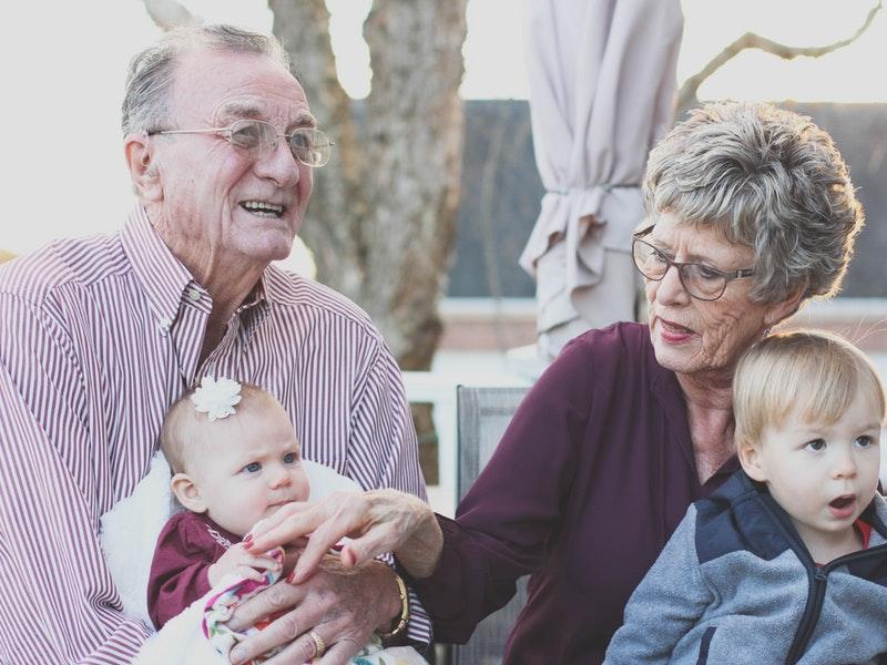 Photo of Zašto je dobro da dijete provodi vrijeme s bakom i djedom?